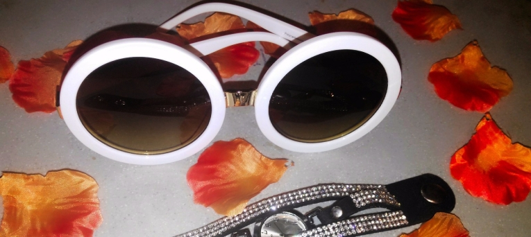 Sunnies, sunglasses, glasses, summer